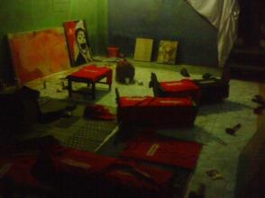 Studio bawah tanah berubah menjadi tempat nyablon sementara bolbal